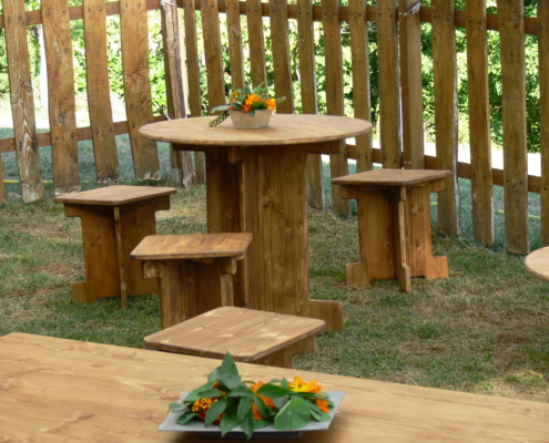 table bistrot ronde en bois - Wood Stock Réception - Gers - Sud Ouest